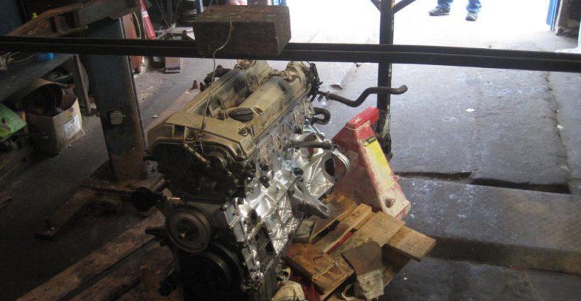 M104 engine installation – Mercedes Restoration Enthusiast